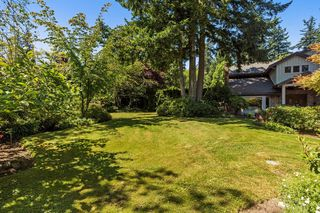 "Photo 4: 2683 NORTHCREST Drive in Surrey: Sunnyside Park Surrey House for sale in ""Woodshire Park"" (South Surrey White Rock)  : MLS®# R2185453"