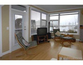 """Photo 3: 4600 WESTWATER Drive in Richmond: Steveston South Condo for sale in """"COPPER SKY"""" : MLS®# V628656"""