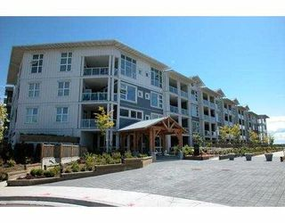 """Photo 1: 4600 WESTWATER Drive in Richmond: Steveston South Condo for sale in """"COPPER SKY"""" : MLS®# V628656"""