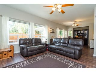 Photo 4: 6145 195 Street in Surrey: Cloverdale BC House for sale (Cloverdale)  : MLS®# R2201928