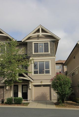 """Photo 2: 126 3105 DAYANEE SPRINGS Boulevard in Coquitlam: Westwood Plateau Townhouse for sale in """"WHITETAIL LANE II"""" : MLS®# R2204779"""