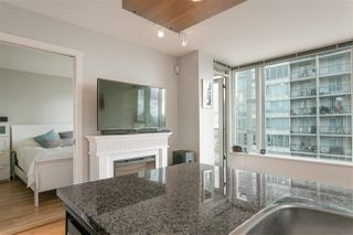 """Photo 3: 1805 1001 RICHARDS Street in Vancouver: Downtown VW Condo for sale in """"MIRO"""" (Vancouver West)  : MLS®# R2209250"""