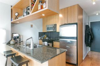 """Photo 7: 1805 1001 RICHARDS Street in Vancouver: Downtown VW Condo for sale in """"MIRO"""" (Vancouver West)  : MLS®# R2209250"""