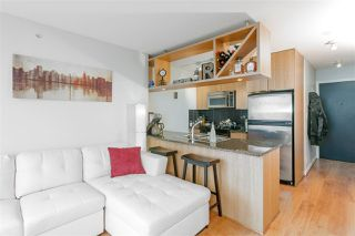 """Photo 5: 1805 1001 RICHARDS Street in Vancouver: Downtown VW Condo for sale in """"MIRO"""" (Vancouver West)  : MLS®# R2209250"""