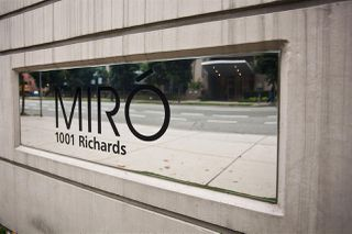 """Photo 19: 1805 1001 RICHARDS Street in Vancouver: Downtown VW Condo for sale in """"MIRO"""" (Vancouver West)  : MLS®# R2209250"""