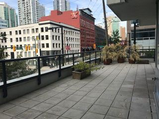 "Photo 1: 308 928 BEATTY Street in Vancouver: Yaletown Condo for sale in ""MAX 1"" (Vancouver West)  : MLS®# R2213143"