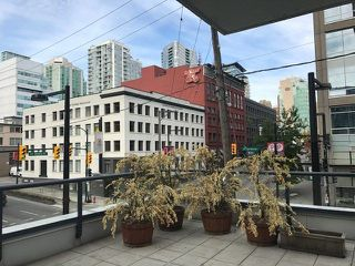 "Photo 2: 308 928 BEATTY Street in Vancouver: Yaletown Condo for sale in ""MAX 1"" (Vancouver West)  : MLS®# R2213143"
