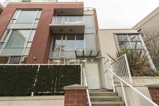 "Photo 2: 37 KEEFER Place in Vancouver: Downtown VW Townhouse for sale in ""TAYLOR"" (Vancouver West)  : MLS®# R2228949"