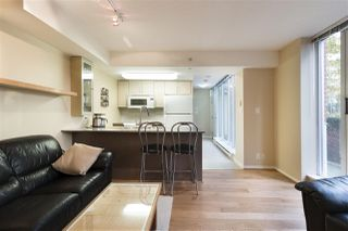 "Photo 4: 37 KEEFER Place in Vancouver: Downtown VW Townhouse for sale in ""TAYLOR"" (Vancouver West)  : MLS®# R2228949"