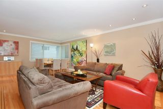 """Main Photo: 104 1878 ROBSON Street in Vancouver: West End VW Condo for sale in """"The Belmanor"""" (Vancouver West)  : MLS®# R2233558"""