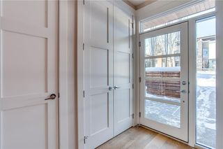 Photo 3: 3916 17 Street SW in Calgary: Altadore House for sale : MLS®# C4165364