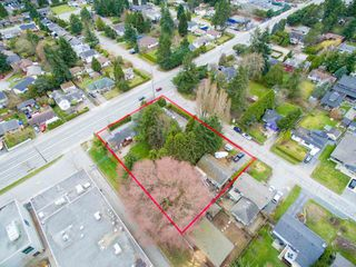 Photo 1: 15729 16 Avenue in Surrey: Sunnyside Park Surrey House for sale (South Surrey White Rock)  : MLS®# R2249148