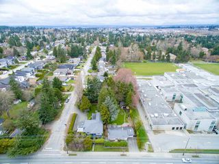 Photo 17: 15729 16 Avenue in Surrey: Sunnyside Park Surrey House for sale (South Surrey White Rock)  : MLS®# R2249148