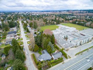 Photo 18: 15729 16 Avenue in Surrey: Sunnyside Park Surrey House for sale (South Surrey White Rock)  : MLS®# R2249148