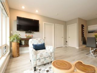 Photo 3: 102 300 Michigan St in VICTORIA: Vi James Bay Condo for sale (Victoria)  : MLS®# 782017