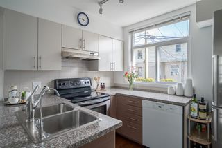 "Photo 8: 204 5632 KINGS Road in Vancouver: University VW Townhouse for sale in ""GALLERIA"" (Vancouver West)  : MLS®# R2255313"