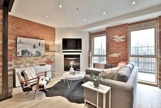 Photo 3: 40 Westmoreland Ave Unit #8 in Toronto: Dovercourt-Wallace Emerson-Junction Condo for sale (Toronto W02)  : MLS®# W4091602