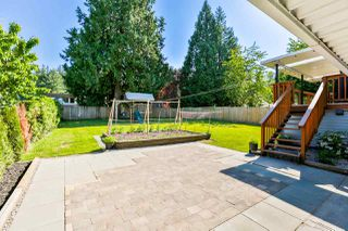 Photo 18: 14748 HALSTEAD Place in Surrey: Guildford House for sale (North Surrey)  : MLS®# R2271693