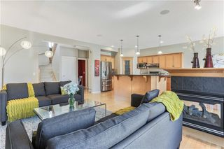 Photo 8: 119 CRESTMONT Drive SW in Calgary: Crestmont Detached for sale : MLS®# C4205113