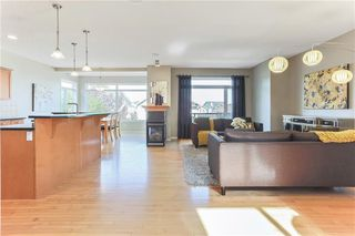 Photo 5: 119 CRESTMONT Drive SW in Calgary: Crestmont Detached for sale : MLS®# C4205113