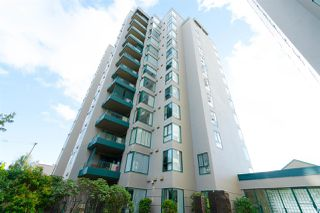 "Photo 1: 102 410 CARNARVON Street in New Westminster: Downtown NW Condo for sale in ""CARNARVON PLACE"" : MLS®# R2307736"