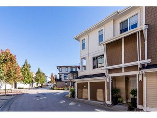 """Photo 2: 14 19433 68 Avenue in Surrey: Clayton Townhouse for sale in """"The Grove"""" (Cloverdale)  : MLS®# R2310505"""
