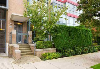 "Main Photo: 1486 W 5TH Avenue in Vancouver: False Creek Townhouse for sale in ""CARRARA OF PORTICO"" (Vancouver West)  : MLS®# R2318856"