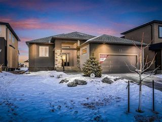 Photo 1: 11 Munnion Road in Winnipeg: Charleswood Residential for sale (1H)  : MLS®# 1831266