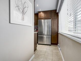 """Photo 8: 1 4951 57 Street in Delta: Hawthorne Townhouse for sale in """"OASIS"""" (Ladner)  : MLS®# R2339888"""