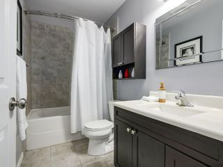 """Photo 15: 1 4951 57 Street in Delta: Hawthorne Townhouse for sale in """"OASIS"""" (Ladner)  : MLS®# R2339888"""