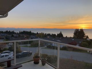"Photo 18: 4846 BLUEGROUSE Drive in Sechelt: Sechelt District House for sale in ""DAVIS BAY"" (Sunshine Coast)  : MLS®# R2348043"