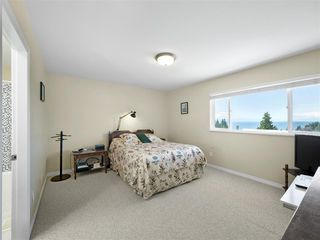 "Photo 8: 4846 BLUEGROUSE Drive in Sechelt: Sechelt District House for sale in ""DAVIS BAY"" (Sunshine Coast)  : MLS®# R2348043"