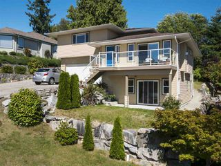 "Photo 2: 4846 BLUEGROUSE Drive in Sechelt: Sechelt District House for sale in ""DAVIS BAY"" (Sunshine Coast)  : MLS®# R2348043"