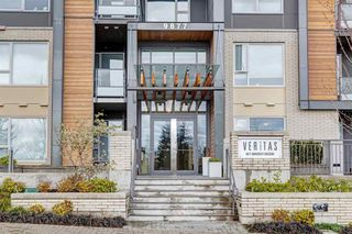"Photo 6: 304 9877 UNIVERSITY Crescent in Burnaby: Simon Fraser Univer. Condo for sale in ""VERITAS BY POLYGON"" (Burnaby North)  : MLS®# R2353735"