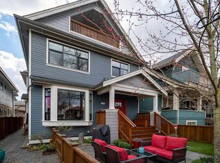 "Photo 16: 1816 E 14TH Avenue in Vancouver: Grandview VE House 1/2 Duplex for sale in ""TROUT LAKE"" (Vancouver East)  : MLS®# R2354239"