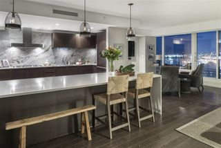 "Photo 5: 3703 1011 W CORDOVA Street in Vancouver: Coal Harbour Condo for sale in ""Fairmont Pacific Rim"" (Vancouver West)  : MLS®# R2356051"