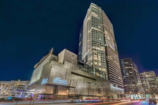 "Photo 1: 3703 1011 W CORDOVA Street in Vancouver: Coal Harbour Condo for sale in ""Fairmont Pacific Rim"" (Vancouver West)  : MLS®# R2356051"