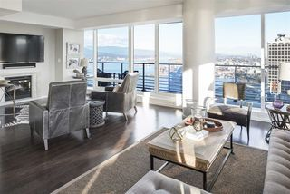 "Photo 10: 3703 1011 W CORDOVA Street in Vancouver: Coal Harbour Condo for sale in ""Fairmont Pacific Rim"" (Vancouver West)  : MLS®# R2356051"