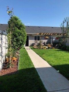 Photo 25: 9832 105 Avenue: Morinville Attached Home for sale : MLS®# E4150801