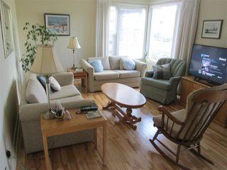 Photo 2: 9715 84 Avenue in Edmonton: Zone 15 House for sale : MLS®# E4151584
