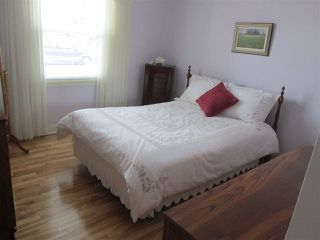 Photo 4: 9715 84 Avenue in Edmonton: Zone 15 House for sale : MLS®# E4151584