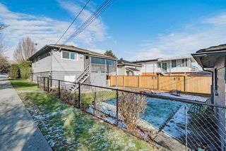 Photo 14: 2504 E 1ST Avenue in Vancouver: Renfrew VE House for sale (Vancouver East)  : MLS®# R2361834