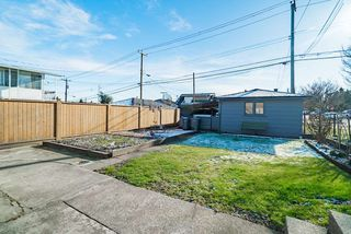Photo 15: 2504 E 1ST Avenue in Vancouver: Renfrew VE House for sale (Vancouver East)  : MLS®# R2361834