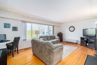 Photo 3: 2504 E 1ST Avenue in Vancouver: Renfrew VE House for sale (Vancouver East)  : MLS®# R2361834