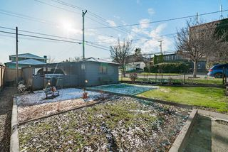 Photo 16: 2504 E 1ST Avenue in Vancouver: Renfrew VE House for sale (Vancouver East)  : MLS®# R2361834