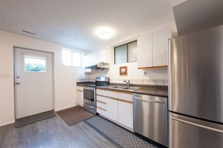 Photo 12: 7 WALTON Way in Port Moody: North Shore Pt Moody House for sale : MLS®# R2367000