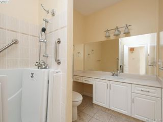 Photo 21: 29 4360 Emily Carr Dr in VICTORIA: SE Broadmead Row/Townhouse for sale (Saanich East)  : MLS®# 816776