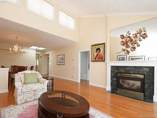Photo 5: 29 4360 Emily Carr Drive in VICTORIA: SE Broadmead Row/Townhouse for sale (Saanich East)  : MLS®# 411948