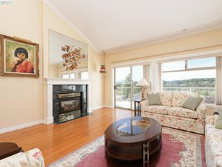 Photo 6: 29 4360 Emily Carr Dr in VICTORIA: SE Broadmead Row/Townhouse for sale (Saanich East)  : MLS®# 816776