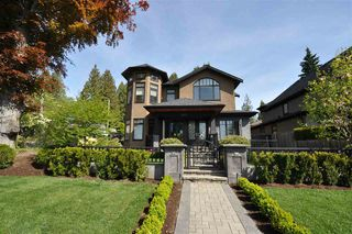 Main Photo: 502 E 19TH Street in North Vancouver: Boulevard House for sale : MLS®# R2378154